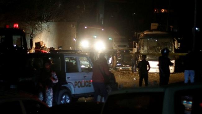 Egypt: Bomb strikes tourist bus near Giza Pyramids