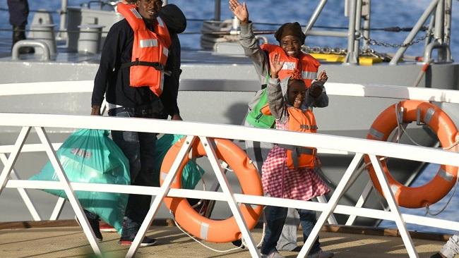 Migrant ships arrive in Malta after 'shameful' standoff