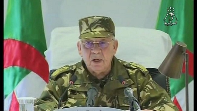 Algeria:  Army chief calls for President Bouteflika to be 'ousted'