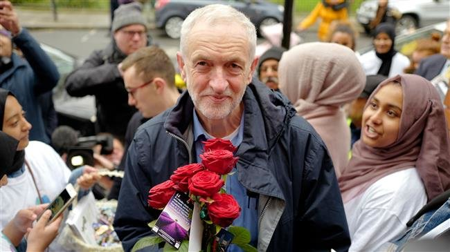 UK: Labour leader Corbyn attacked while visiting London mosque