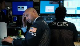 US yield inversion deepens, stokes recession fears