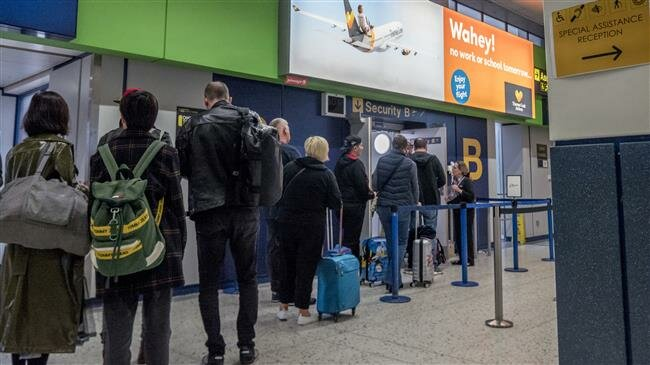 UK travel firm Thomas Cook collapses, thousands of travelers stranded