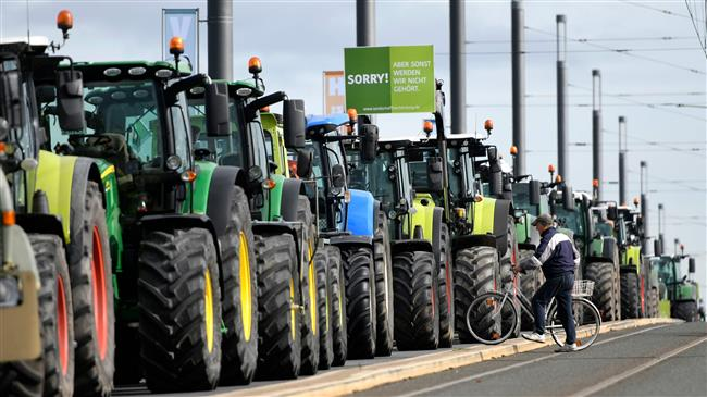 Germany: Tractors flood Hannover as farmers protest agricultural reforms