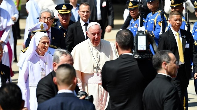The Holy Father in Thailand to boost morale of minority Catholic community