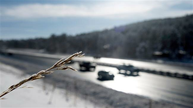 US: Widespread snow, storms create Thanksgiving travel headaches