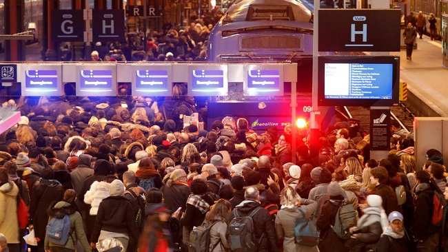 French union calls for Christmas break in transport strike