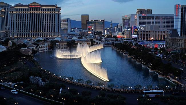 US: Las Vegas grinds to halt as casinos close over virus