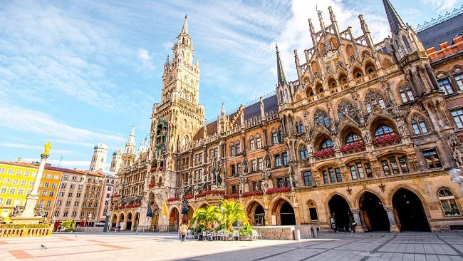 Germany: Munich streets nearly deserted as Bavaria enforces full lockdown amid coronavirus outbreak