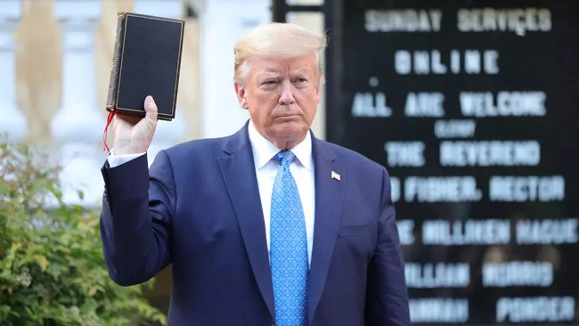 US: Trump insists on re-opening schools as Covid-19 death toll tops 3 million