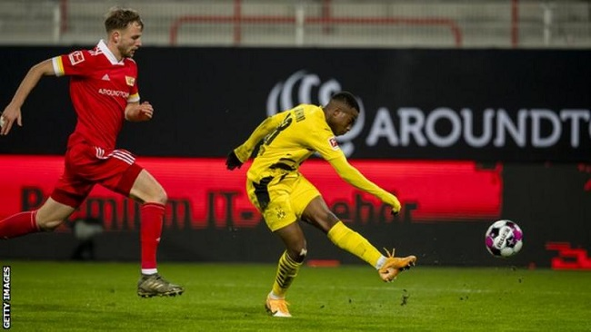 Football: Moukoko is the youngest player to score in the Bundesliga