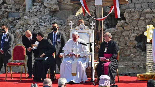 Pope visits Iraqi Christians, leads prayer for 'victims of war' in Mosul