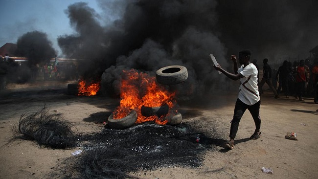 Nigeria: Protesters block Abuja highway after kidnapping surge
