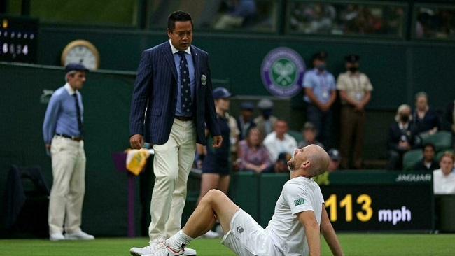 Tennis: 'Lucky' Federer survives Wimbledon scare to reach second round