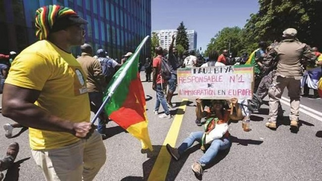 Geneva: Protesters Rally Outside President Biya's Hotel