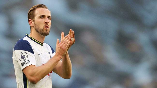 Football: Kane confirms he will remain at Tottenham