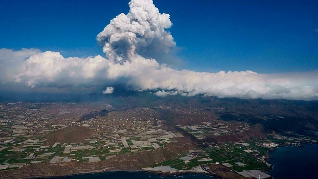 Canaries volcano lava reaches sea, raising toxic gas fears
