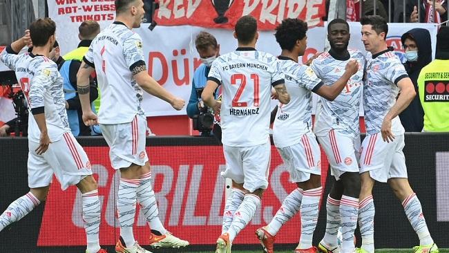 Bayern crush Leverkusen to return to top of Bundesliga